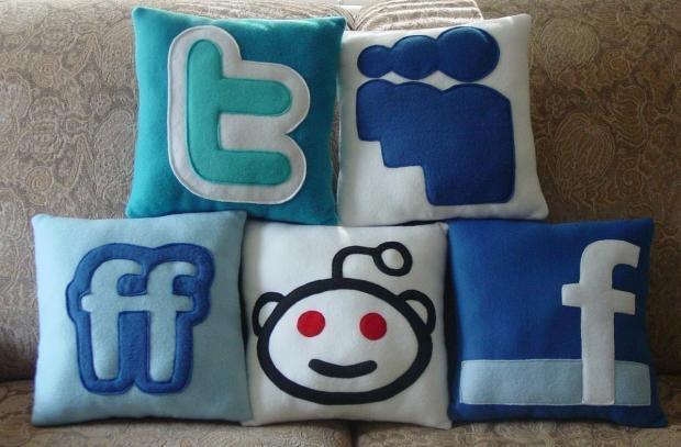 2010_12_13_Last_Week_in_Social_Media